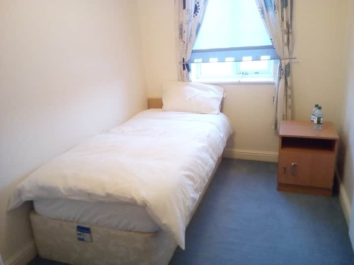 Nice Comfy Single Room close to City Centre