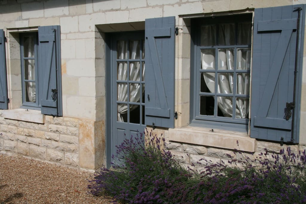 Entrée de la suite Lavandes, sur la cour d'honneur du château