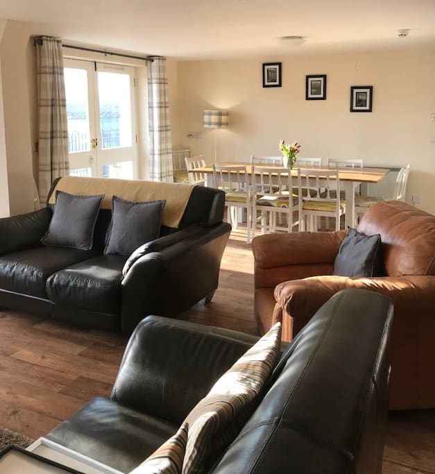 Open plan lounge, dining area and kitchen. TV, DVD player and free wifi. Onsite games, books and kids toys