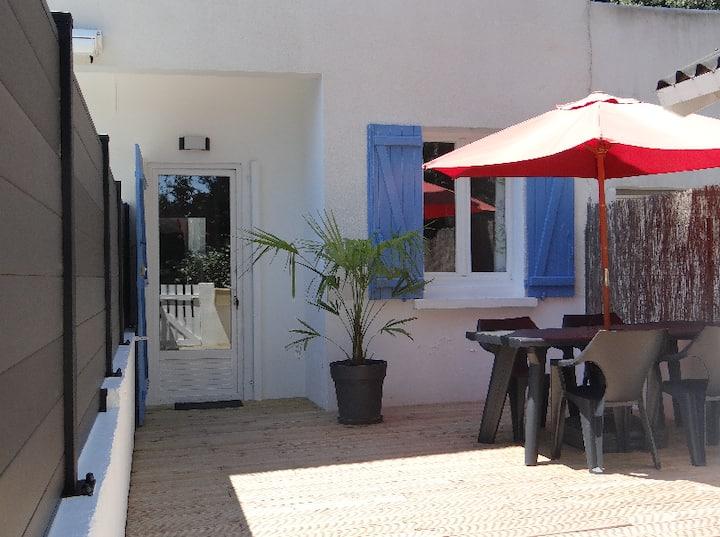Bel appartement 2 pièces, terrasse, proche plage