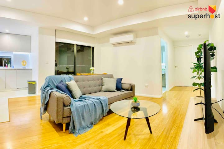 Epp303-Spacious Luxe 1-bedroom apartment