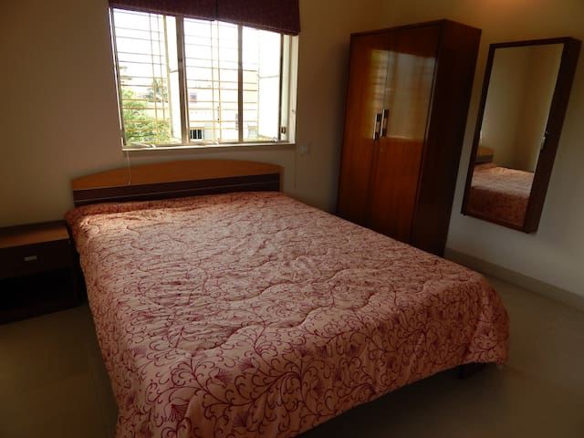 Double Bedroom II - with attached bathroom