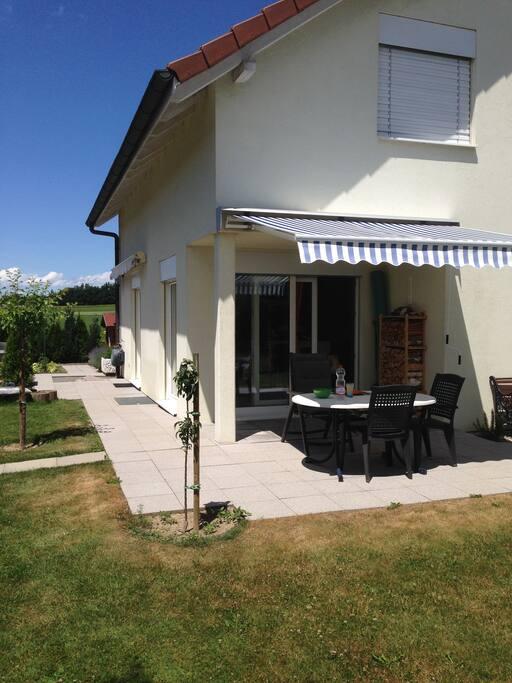 Chambre chez l 39 habitant villas louer w nnewil for Chambre a louer suisse