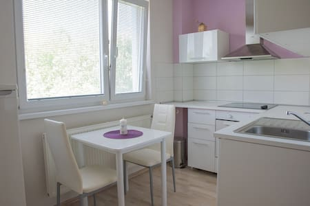 Apartment near historical centre (1,4km) + station