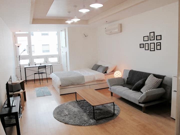 Clean&Cozy Big studio@ Seoul Yeouido _KBS,IFCmall