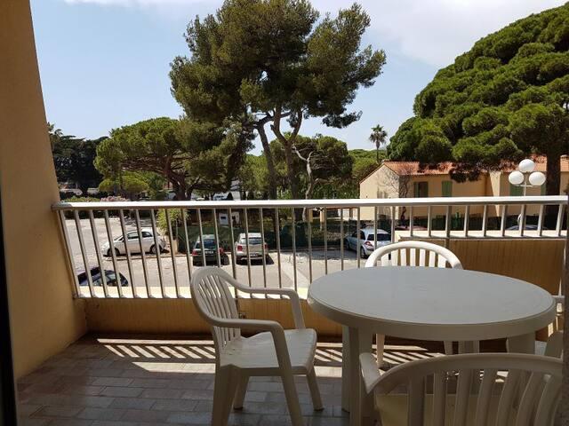Appartement avec terrasse port d'Hyères
