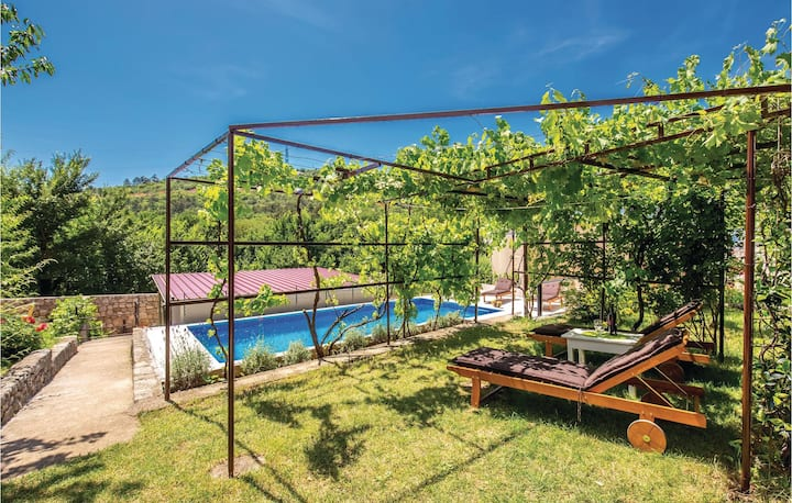 Awesome home in Krizisce with WiFi and 4 Bedrooms