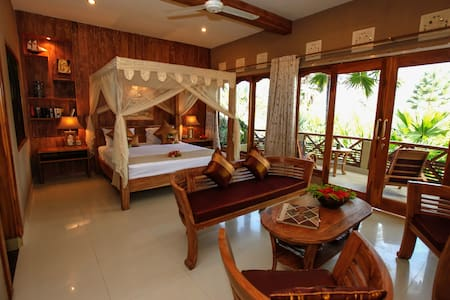 Romantic Gold Suite with Ocean View - Pekutatan - Appartement