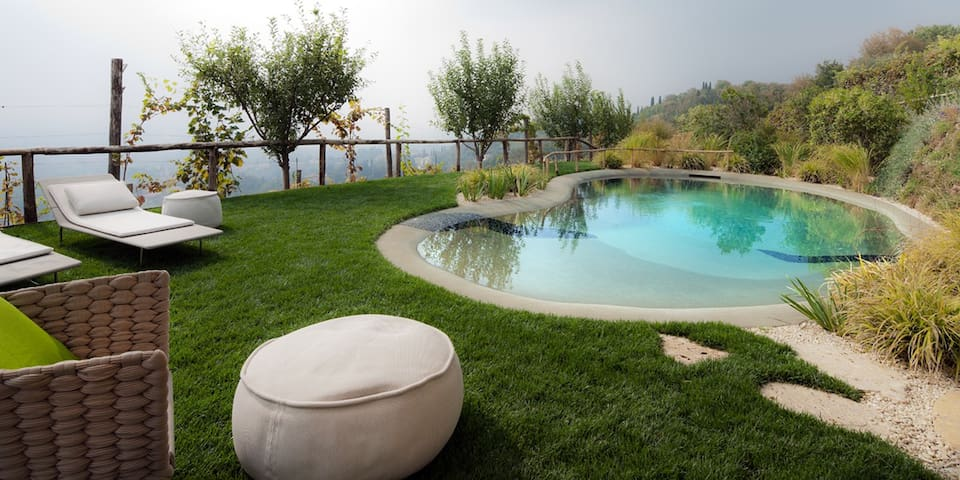 Villa with pool and panoramic view - Asolo