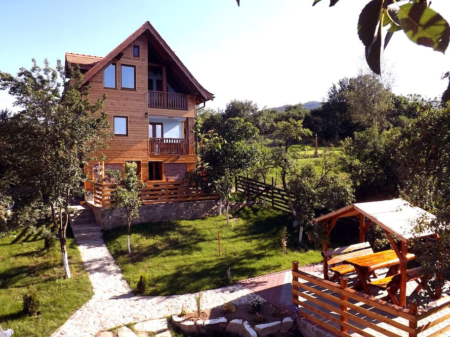 • Casa Zollo •  Vacation rental at the Carpathian foothills | Sibiu Transylvania Romania