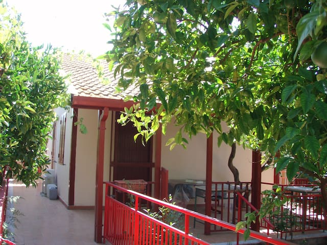A' Casuzza - a green hideaway  - San Giovanni La Punta - Casa