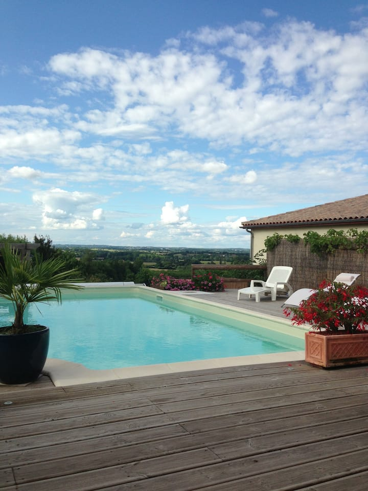 Villereal, charming B&B with pool