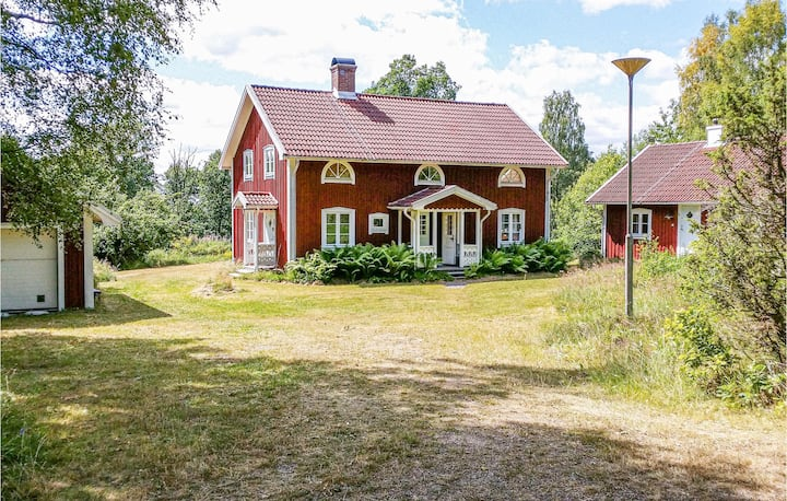 Stunning home in Lammhult with Sauna and 4 Bedrooms