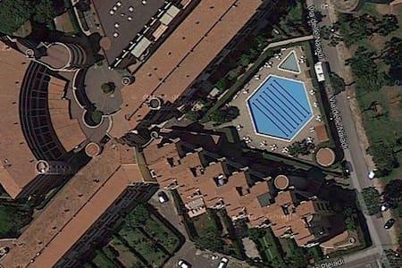 attico vista mare a 25 km da Roma - Marina di San Nicola - 公寓