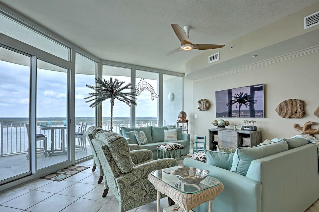 This penthouse-like condo is perfect for friends and families looking for an upper-class vacation rental!