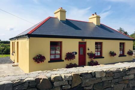 Bobby's Cottage, Mulranny
