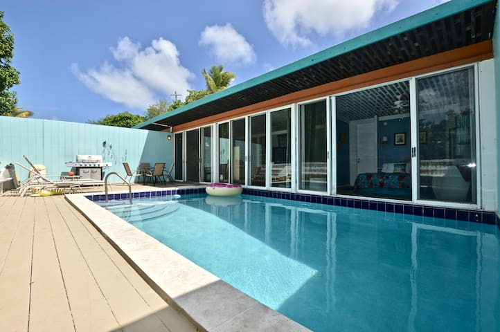 East End Luxury w/ Private Pool and beaches!