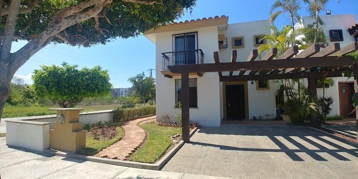 Villa completa muy cerca de la playa cerritos.