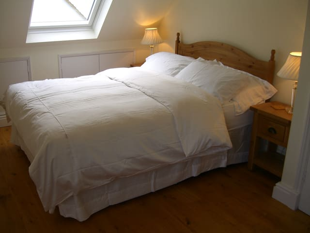 King Size bed with duvet