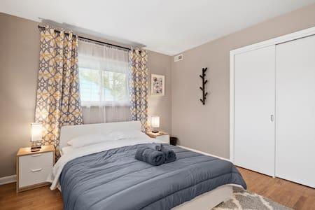 ★ Minutes to Columbus Airport★ Free Parking
