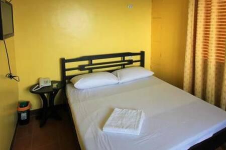 Tagaytay Gateway - Tagaytay - Bed & Breakfast