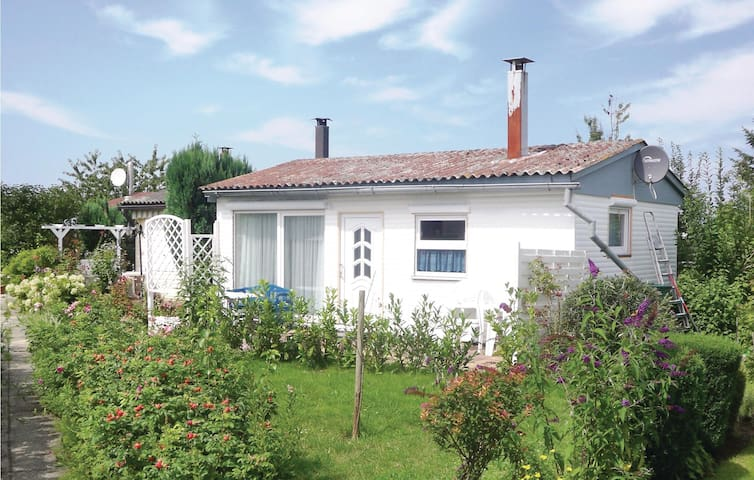 Holiday cottage with 1 bedroom on 38 m² DMK475