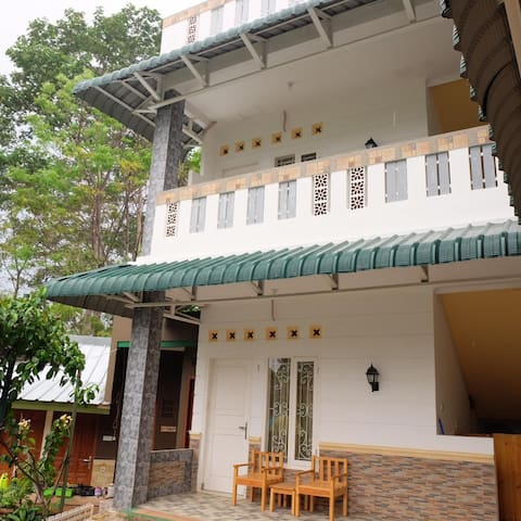 Saung Awi Home Stay 2 person