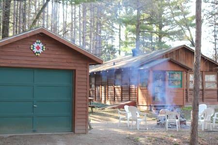 Quaint Cabin - lakes, hiking & fun! - Whitewater - Hytte
