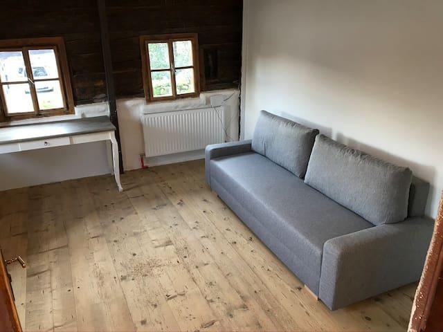 Zimmer Nr.3 mit einer ausziehbaren Couch
