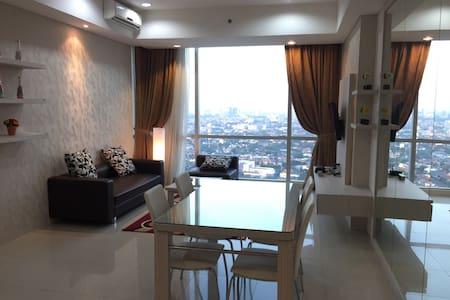 Modern 3BR Apt in Kemang, Jakarta - Τζακάρτα