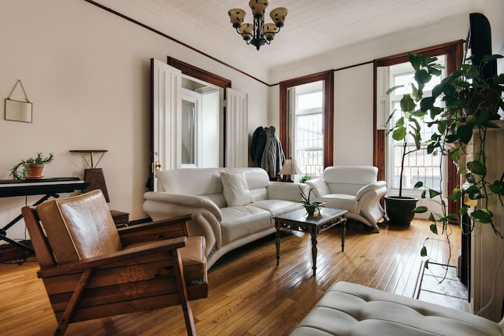 Amazing brownstone with private room/bath! - Brooklyn - Appartement