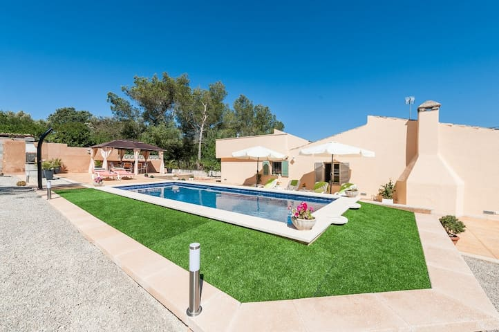 CONCHITA - Villa with private pool in Sencelles.