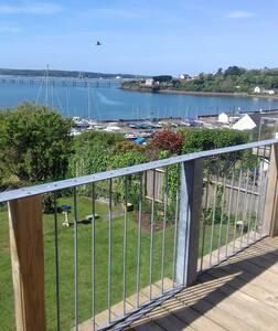 Sea view on the Pembrokeshire coastal path