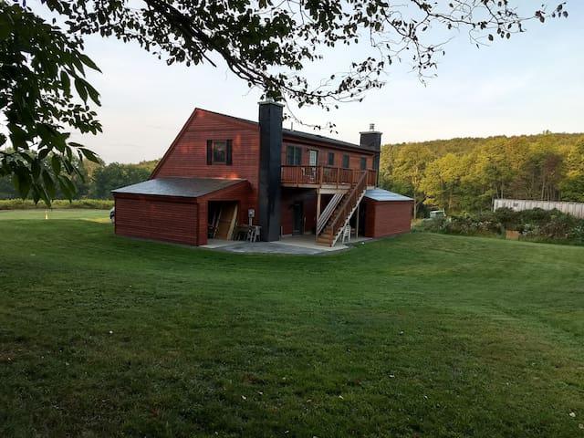 Cooperstown - Bavarian Farm Resort - Hops View