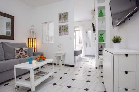 Cute studio near to the beach, Wifi - València