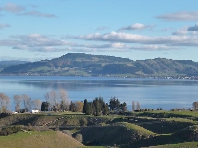 Lake Views - Rotorua - Hus
