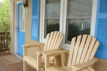 Beach Therapy: Ocean-Block Studio! W/ parking spot
