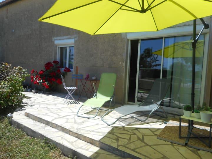 Studio 30m² meublé avec son jardin privatif