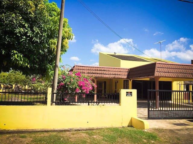 D'Bunga Raya Homestay, Jitra, Kedah - Jitra - Bungalow