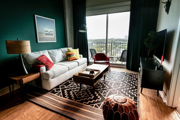 Sleek 1BR in Downtown Austin #1509 by WanderJaunt