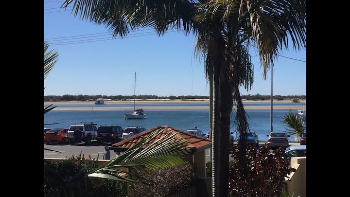 Complete Unit on the BroadWater! Value & location
