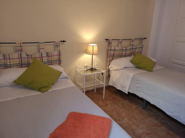 Habitación Amarilla Centro de Sevilla