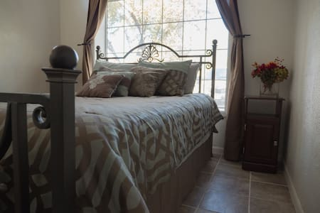 Amarillo Bedroom in Historic District