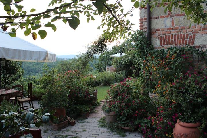 Ca'Norino in Monferrato Piemonte - Camagna Monferrato - Aamiaismajoitus