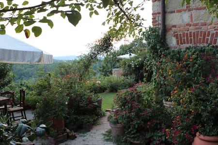 Ca'Norino in Monferrato Piemonte - Camagna Monferrato - Oda + Kahvaltı