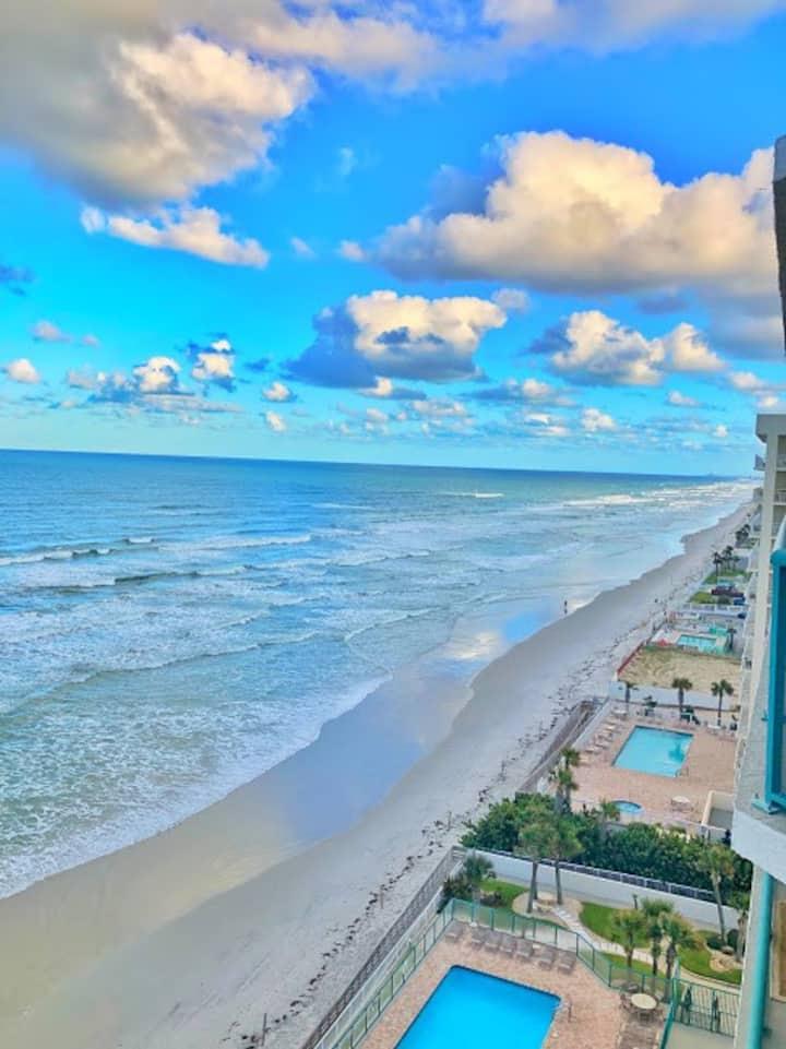 Luxury Condo in Daytona beach