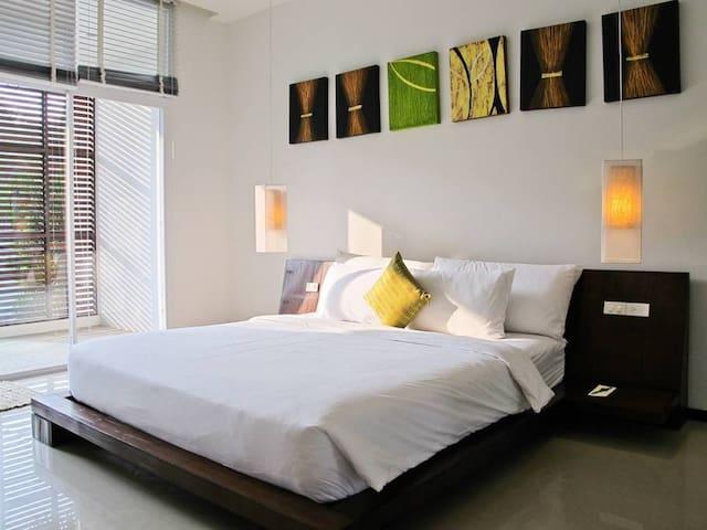 VW14 : Oxygen Bangtao 4 Bedroom Private Pool Villas