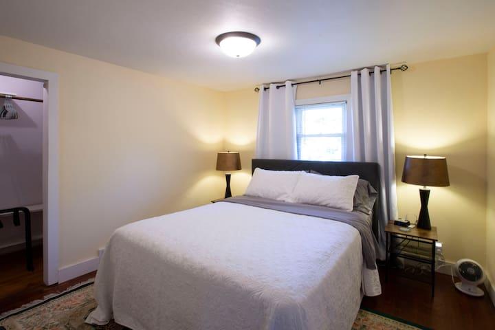 Queen Bed + Closet Space