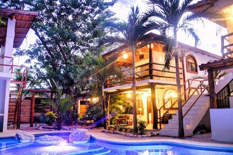 Villa Rio - balcony, pool, walk to Samara beach