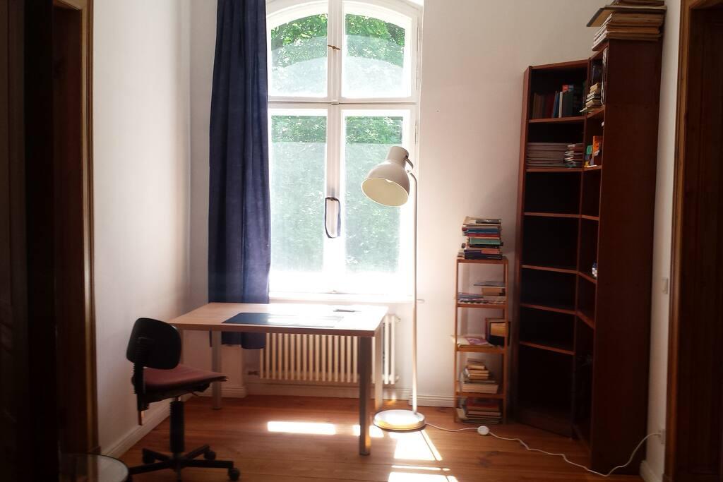 Arbeitszimmer mit 1 Doppelbett